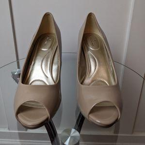 Bandolino shoe